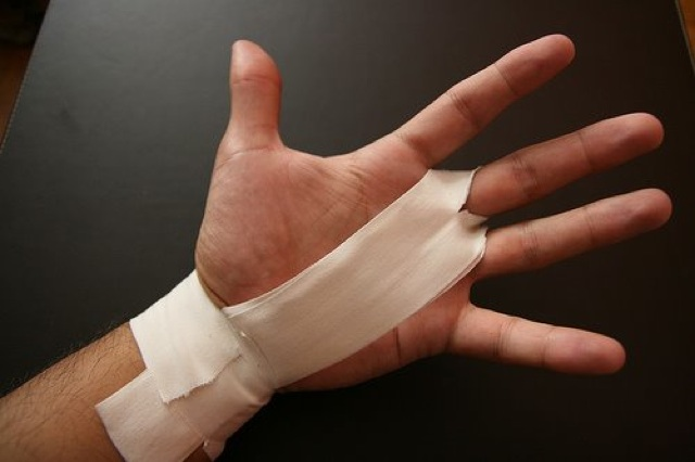 Taping Hands for CrossFit