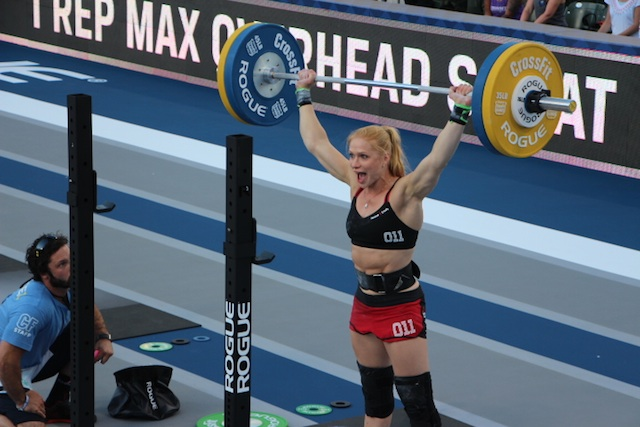 JordanAnnie Thorisdottir at the 2014 CrossFit Games Troyan 2014 CrossFit Games- The Beach Event Annie Thorisdottir OHS