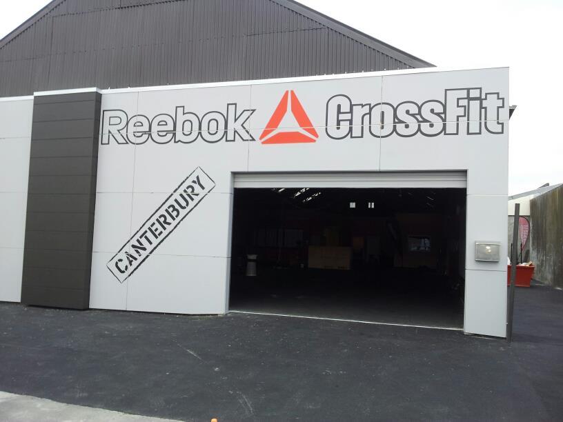 patrocinador abdomen Amigo por correspondencia  What are the Reebok CrossFit Gyms?